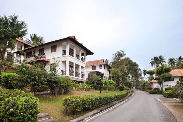 Nongsa Point Marina & Resort-2 Bedroom Chalet