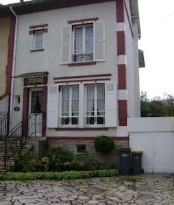 """Villa """"Mon château"""" - Écouen"""