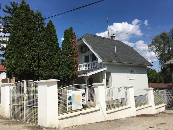 Tassi Halászcsárda Kék Ház