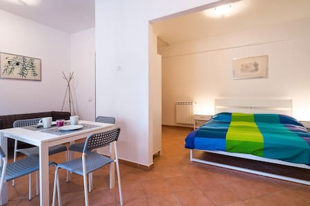 Columna Apartments - one room flat - Palermo