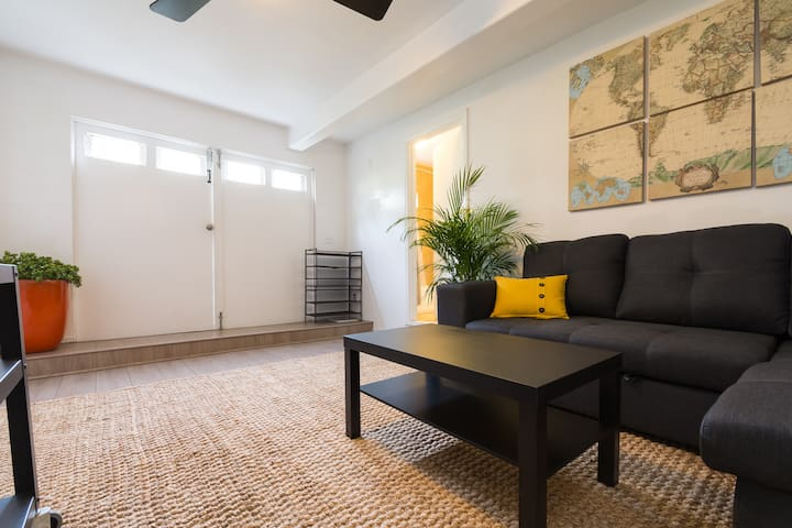 1 BR Santa Monica Beach Cottage