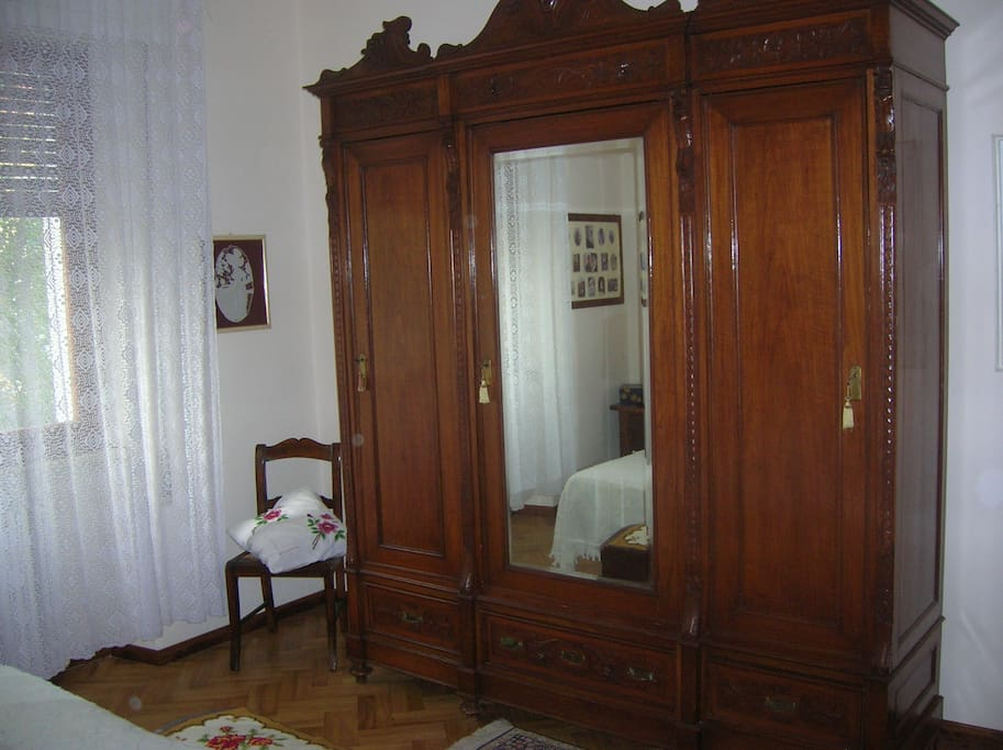 nice double bedroom chambres d 39 h tes louer pistoia toscane italie. Black Bedroom Furniture Sets. Home Design Ideas