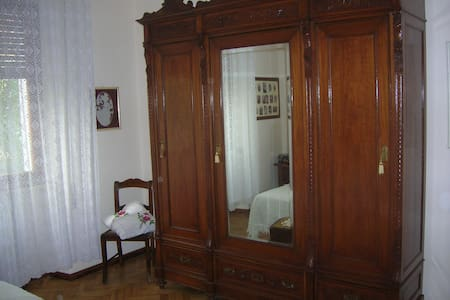 Nice double bedroom. - Pistoia - Bed & Breakfast