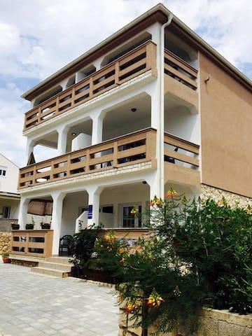 Apartment 5 - Gajac