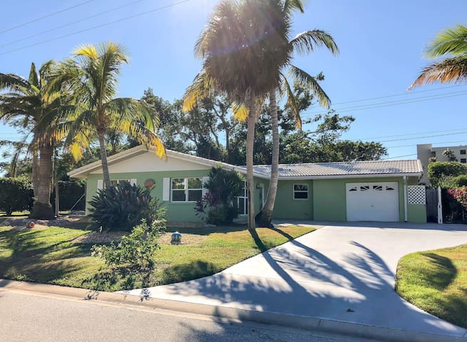 3 BD/ 2 BA home on Longboat Key, Sleeps 6