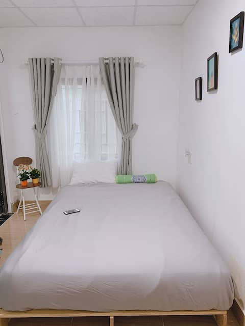 Private room/Double bed/City Center/Close to beach