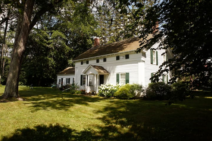 Historic Stockbridge Home - The Berkshires