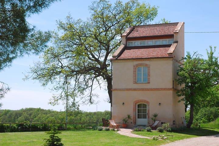 Ferienwohnung in altem Turm - Beaumont-de-Lomagne - Casa