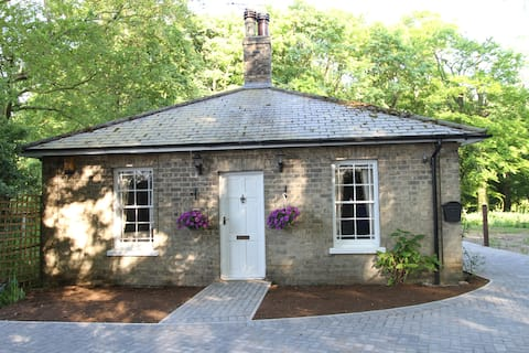 East lodge cottage near withernsea