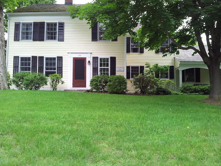 Beautiful 1820 Colonial, Madison, CT