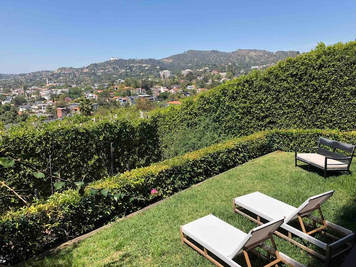 La La Land Guest Suite w/Spectacular Sunset Views!