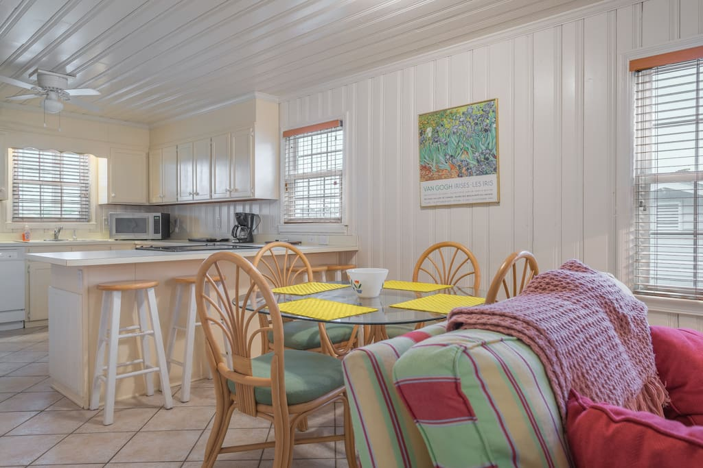 BEACHY IDEAL FOR GROUPS OF 12 16 Houses For Rent In North Myrtle Beach