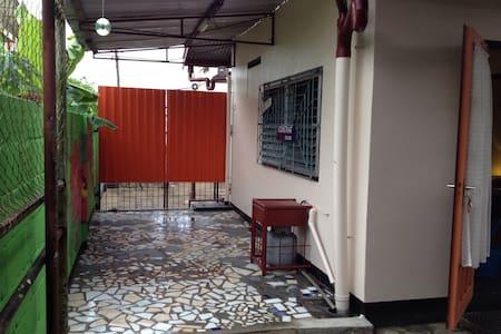 Warm apartment  Paramaribo for rent - Paramaribo - Lägenhet