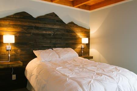 Remodeled 2 bedroom cozy condo
