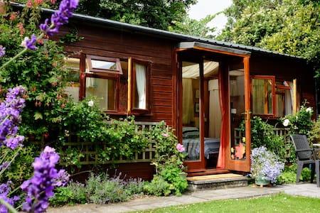 Garden Chalet - Bude - Blockhütte