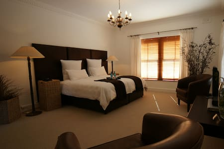 Luxury King room - Villa Exner - Grabouw