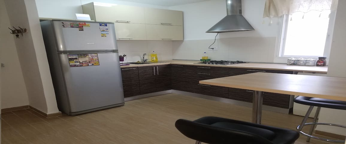 NICE APARTMENT FOR FAMILY, FRIENDS OR COUPLE - Haifa - Lägenhet