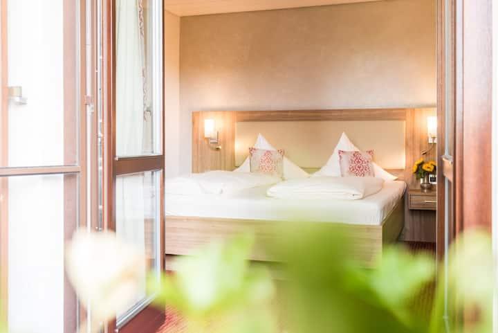 Hotel Stegner, (Rödelsee), Doppelzimmer Komfort mit Dusche und WC