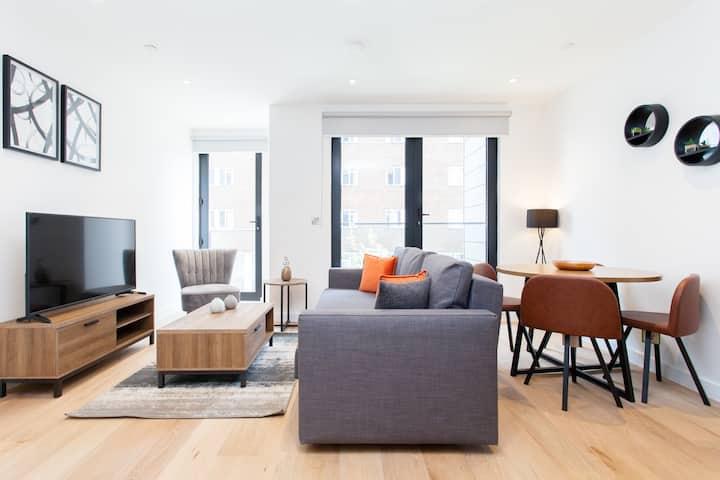 Modern and spacious Premium 1 Bedroom near Tower Bridge