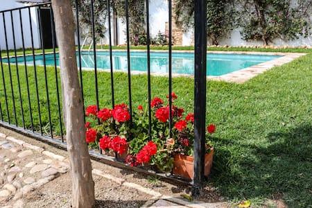 Casa el Pozo, con terraza y piscina - Écija