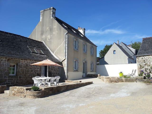 Gîte de la Vallée du Queffleuth - Le Cloître-Saint-Thégonnec - Dom