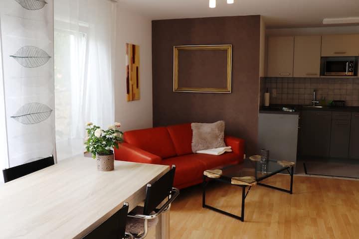 Helle 2-Zimmer Wohnung in ruhiger Wohngegend
