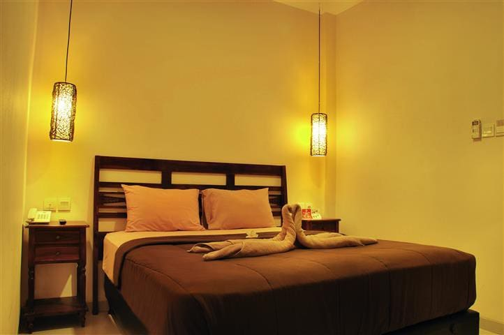 Private room near Airtport. Coco de Heaven