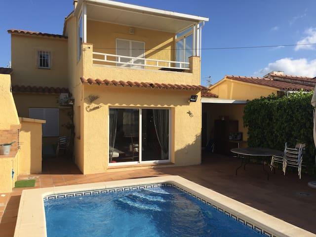 Villa 110 m2 avec piscine privée - L'Escala - Villa