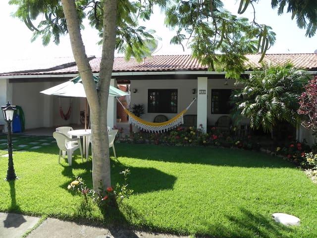 Linda casa em condomínio São Pedro Aldeia - São Pedro da Aldeia - Condominio