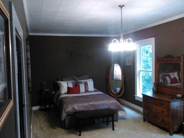 A WARM BED & A HOT SHOWER - Nehalem - Casa