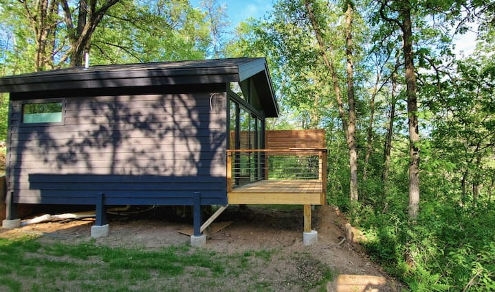 Modern Tiny Cabin- Bike, Paddle, Hike Cuyuna, MN