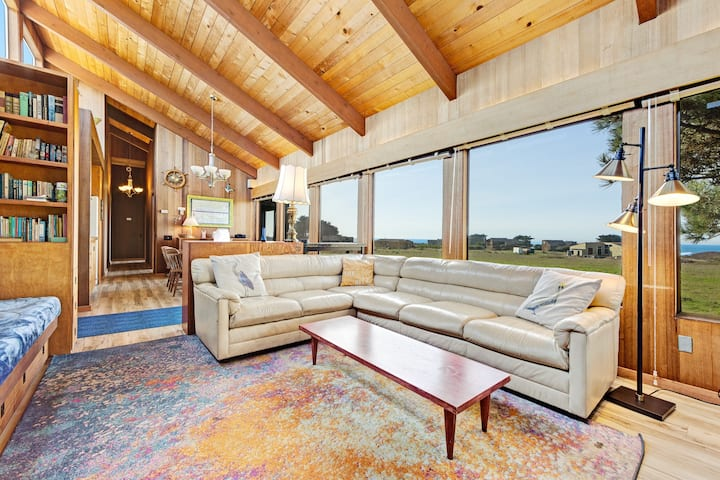 Ocean view home w/ private hot tub, shared pools & beach access - dogs OK!