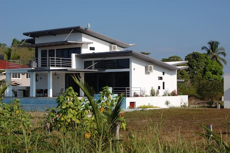 Mariposa Blanca Beach House