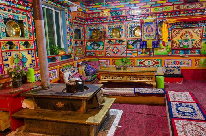 九寨沟赵子龙客栈,体验当地藏族文化,住藏式木屋,喝酥油茶,品青稞酒。 - Aba - Cabana