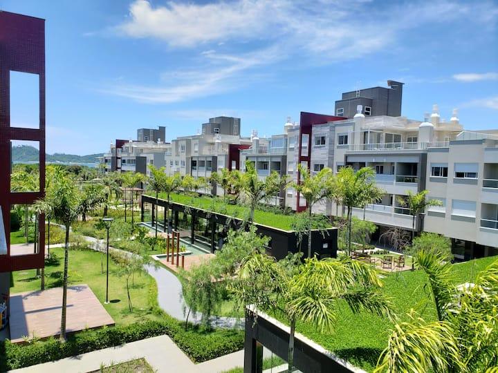 Apartamento em frente à praia do Campeche
