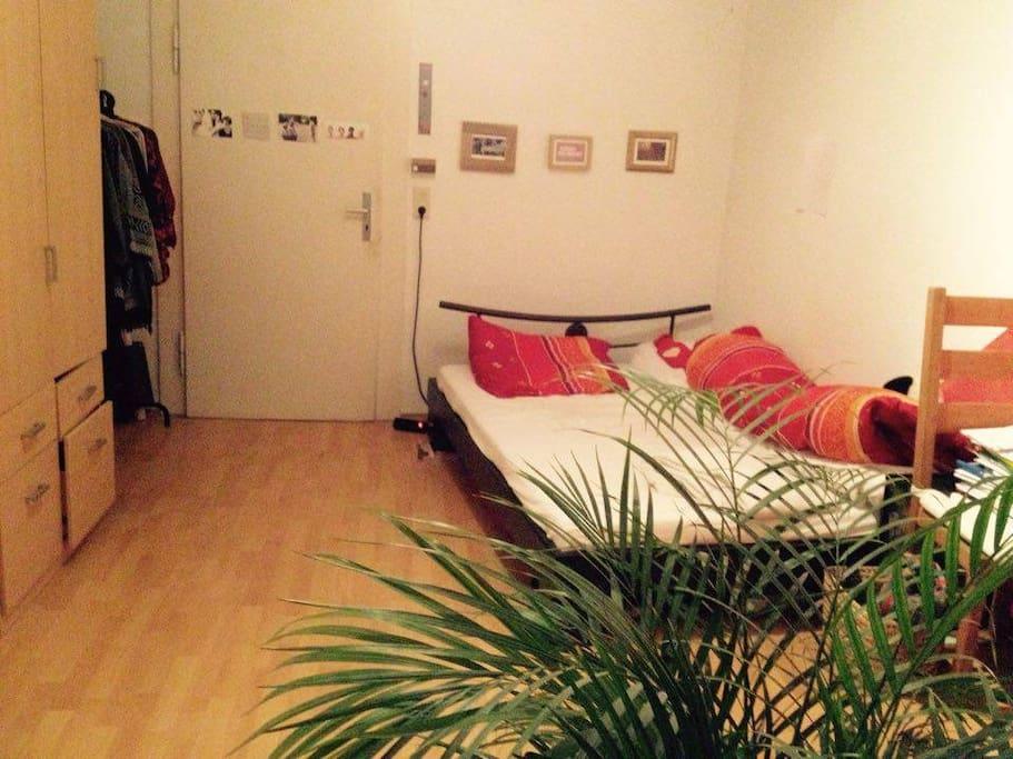 Dein Zimmer mit 1,40 m Bett