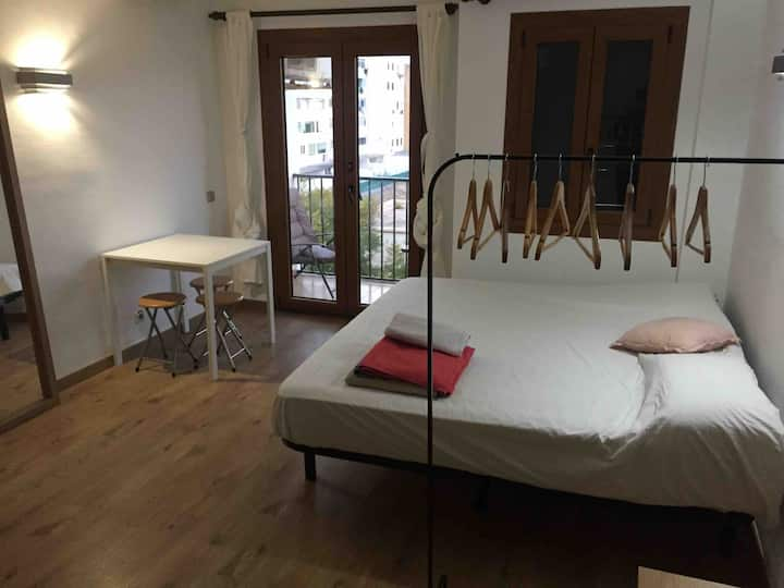 Sunny Double Room with private toilet