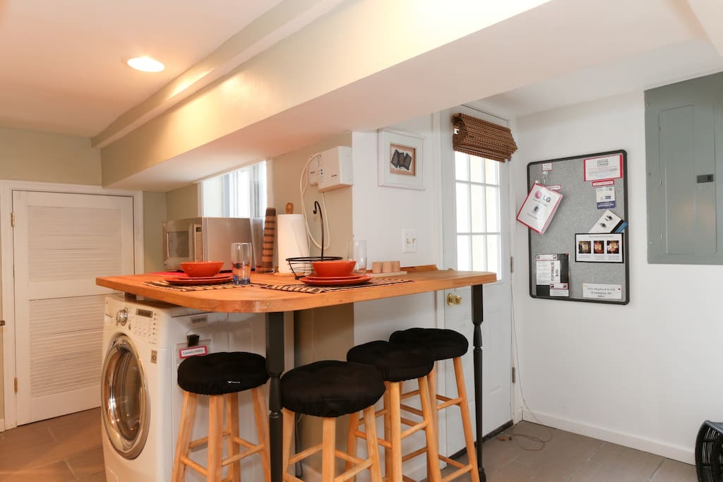 Full Kitchen w/ combo Washer/Dryer