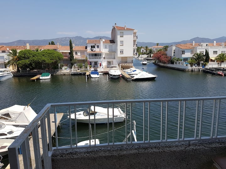 Vivre sur le canal a Empuria.B à 600m de la plage