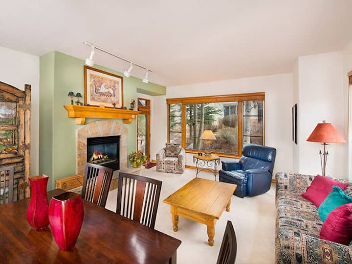 Gorgeous Mountain Condo + Fireplace & Private Balcony | Hot Tub Access