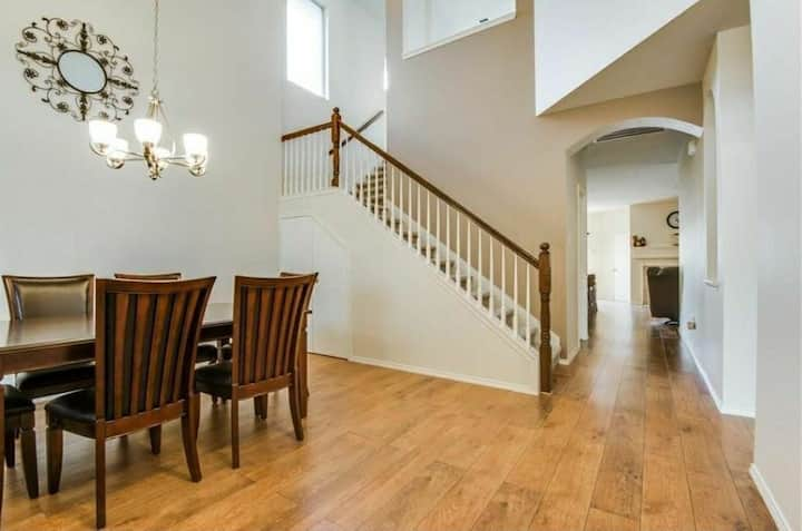 Huge DALLAS Family Home in 5★ Recreation District