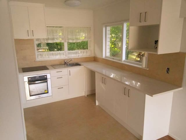 Lovely and quiet two bedrooms unit - Auckland - Villa