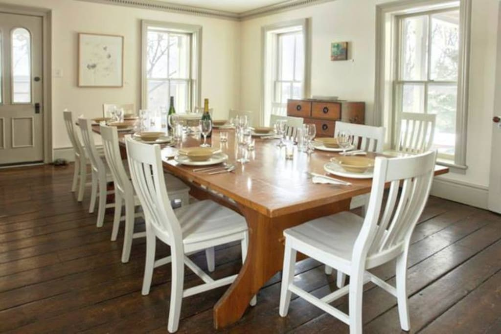 Ledig Dining Room can fit another long table comfortably.