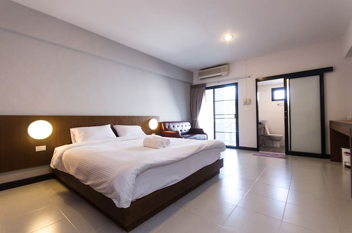 Friendly/ Clean Room, NIMMAN AREA. - Mueang Chiang Mai - Apartamento
