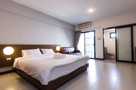 Friendly/ Clean Room, NIMMAN AREA. - Mueang Chiang Mai