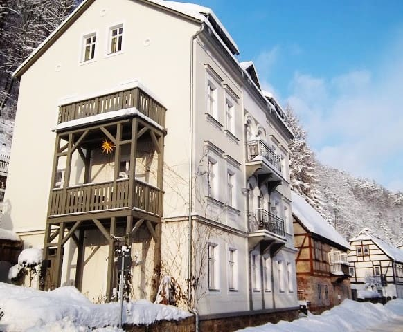 Gorgeous Saxon flat with balcony - Bad Schandau - Appartement