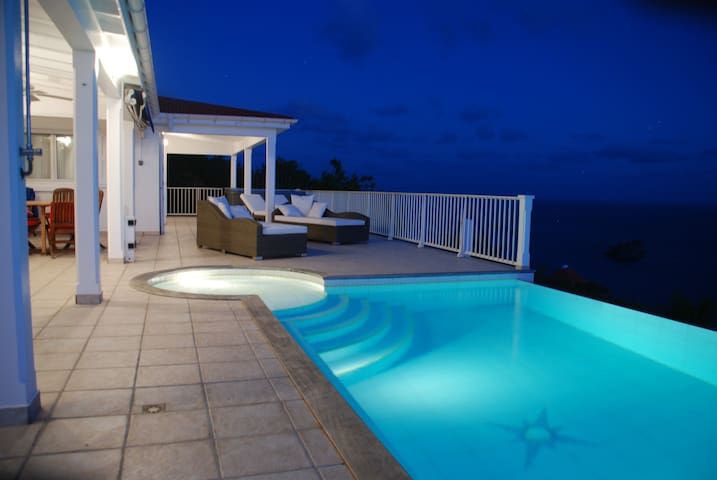 Villa Henson 2 bdrms Views Sunset Heated pool Spa - Gustavia - Villa