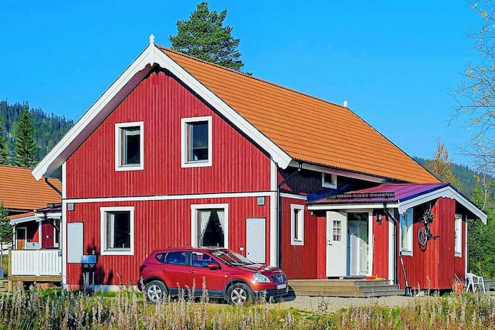 4 person holiday home in KLÖVSJÖ