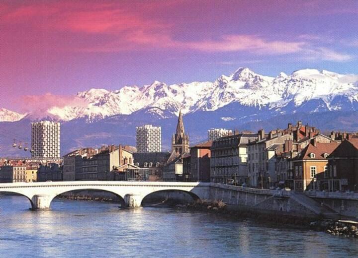 Sur les Quais Isère & Au pied du Téléphérique