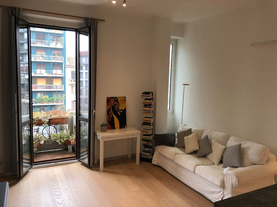 Porta romana spacious 1br flat 10 min to duomo - Bed and breakfast porta romana milano ...